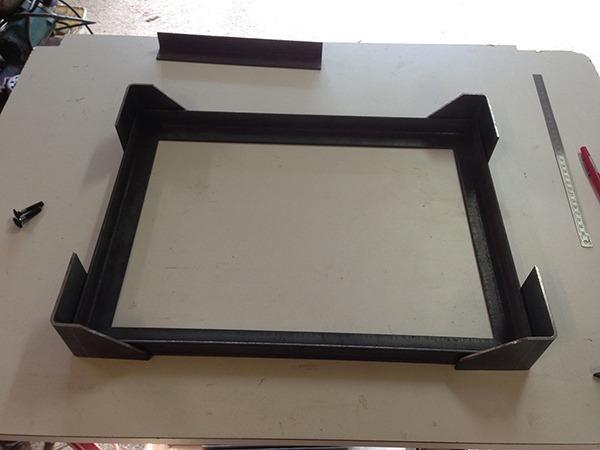 cr ation petit meuble industriel roulettes retro factory. Black Bedroom Furniture Sets. Home Design Ideas